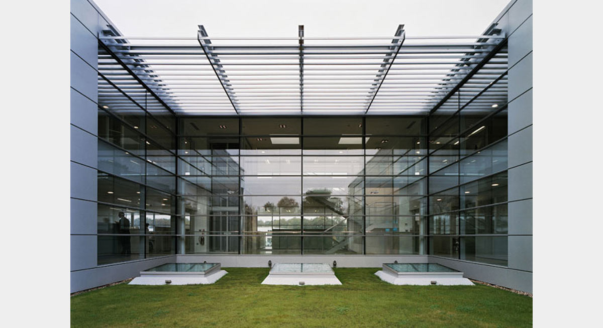 Plc architectures iguzzini londres for Definition architecte d interieur